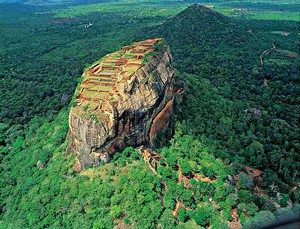le rocher forteresse de sigiriya
