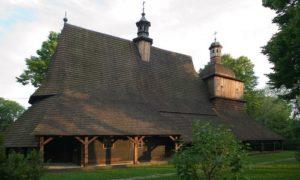 l'église médiévale en bois de Blizne en Pologne